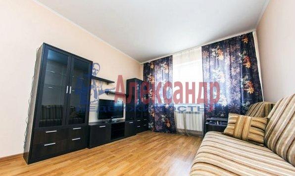 Комната в 2-комнатной квартире (68м2) в аренду по адресу Пятилеток пр., 2— фото 1 из 2