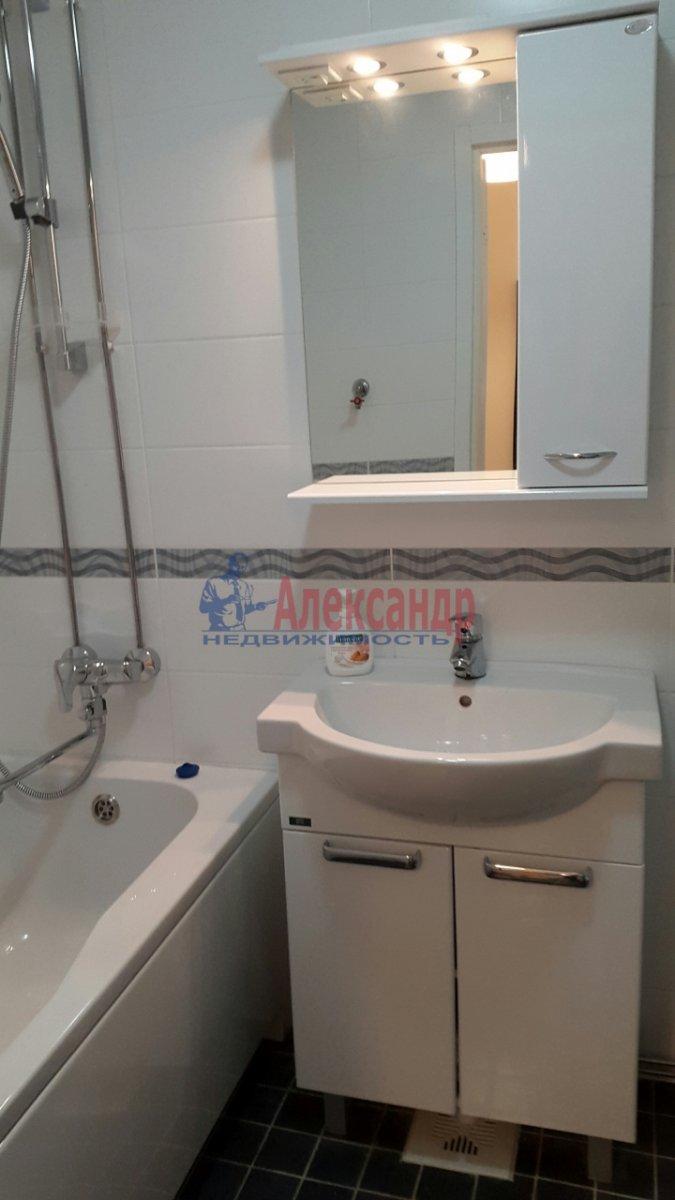 1-комнатная квартира (45м2) в аренду по адресу Мурино пос., Привокзальная пл., 3— фото 7 из 7