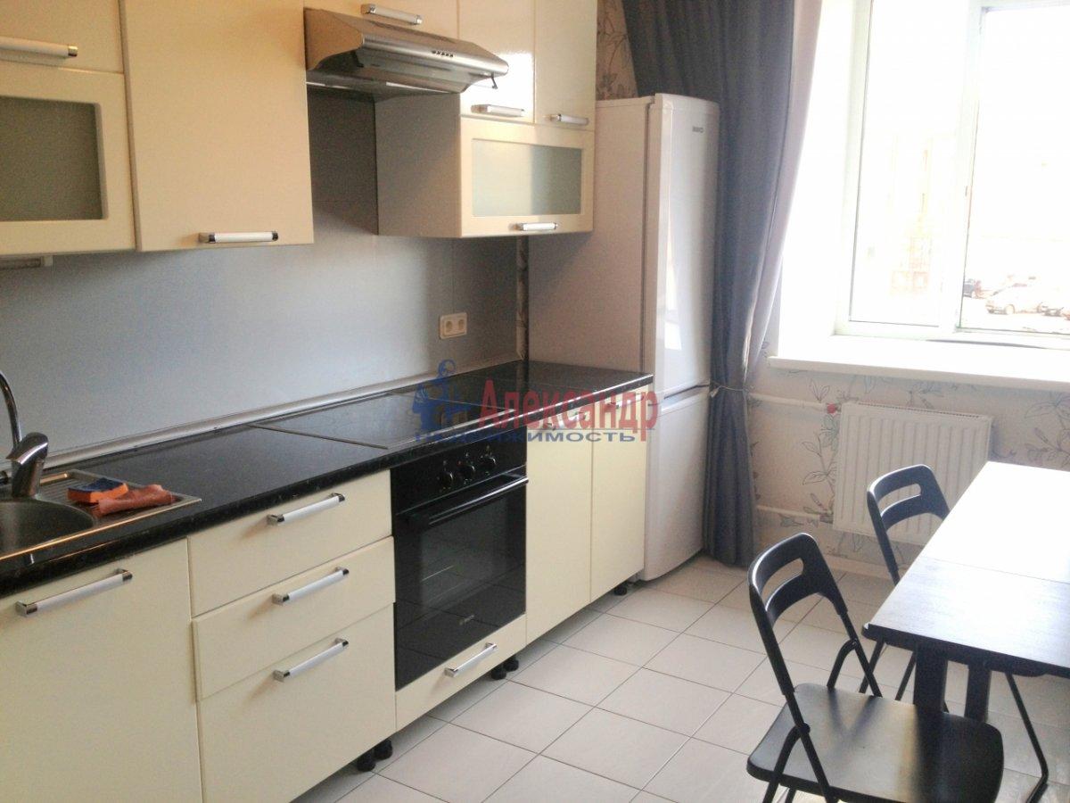 2-комнатная квартира (72м2) в аренду по адресу Просвещения пр., 15— фото 1 из 11