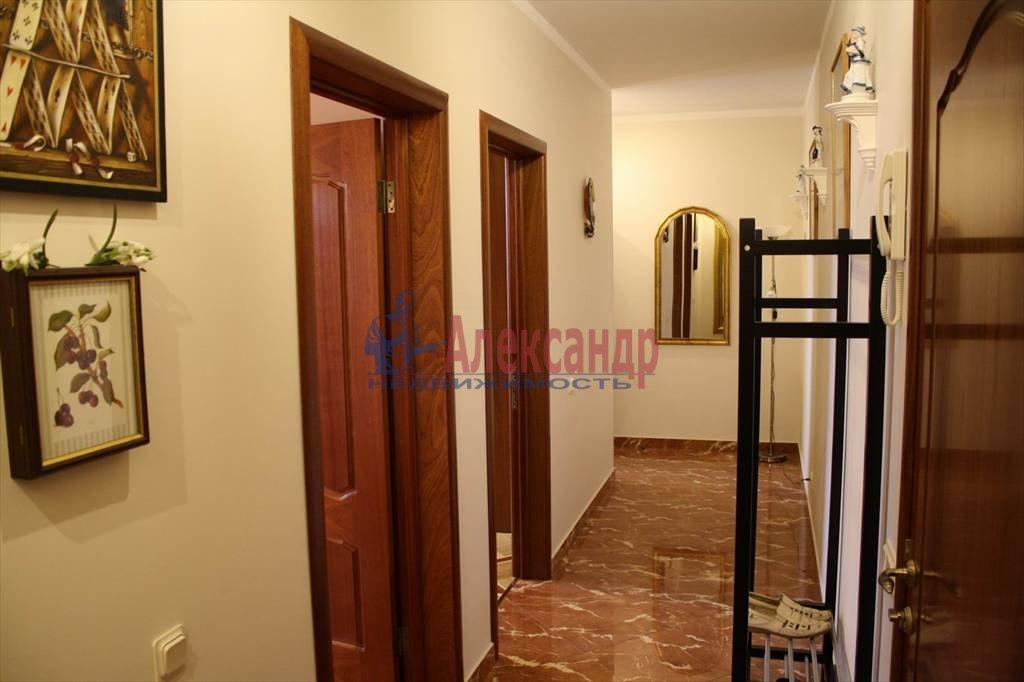 2-комнатная квартира (60м2) в аренду по адресу Мытнинская наб., 7/5— фото 1 из 10