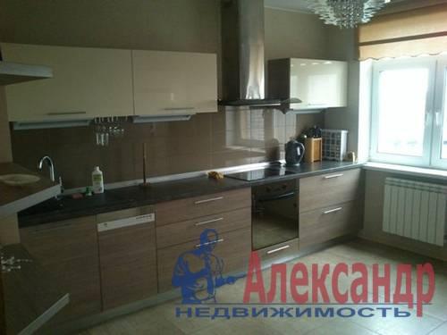 2-комнатная квартира (60м2) в аренду по адресу Ветеранов пр., 75— фото 1 из 5