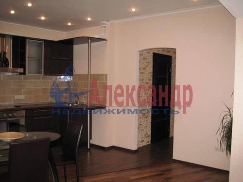 2-комнатная квартира (76м2) в аренду по адресу Народного Ополчения пр., 167— фото 2 из 6