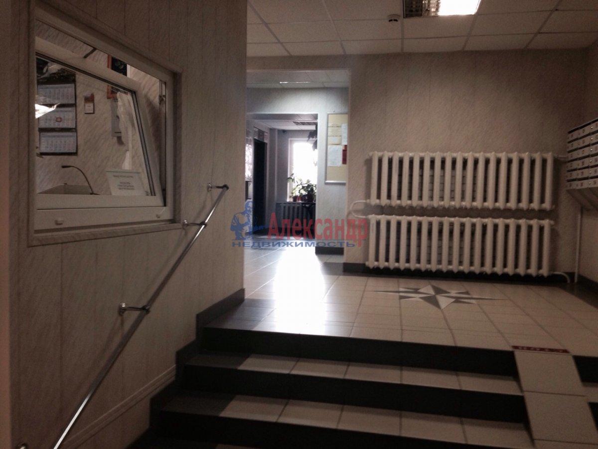 2-комнатная квартира (68м2) в аренду по адресу Ленинский пр., 67— фото 8 из 9
