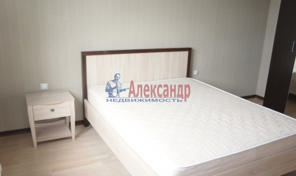 3-комнатная квартира (93м2) в аренду по адресу Комсомола ул., 14— фото 3 из 7