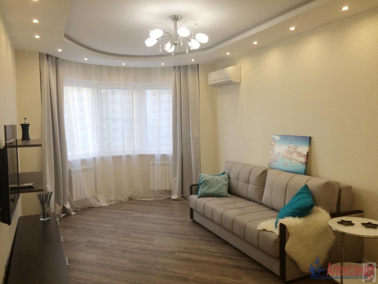 2-комнатная квартира (56м2) в аренду по адресу Типанова ул., 27— фото 2 из 4