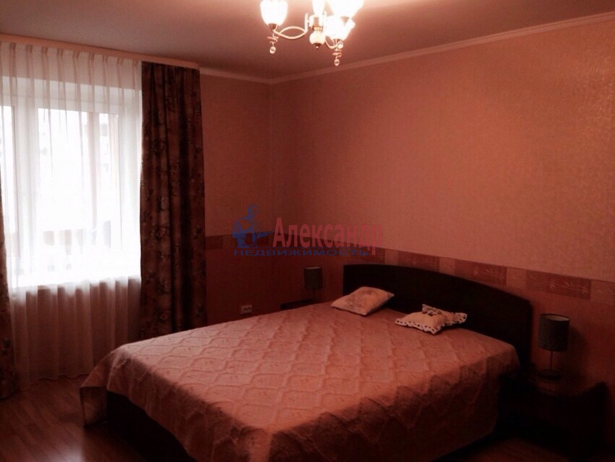 2-комнатная квартира (68м2) в аренду по адресу Ленинский пр., 67— фото 3 из 9