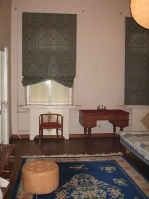 3-комнатная квартира (100м2) в аренду по адресу Большая Конюшенная ул., 5— фото 2 из 6