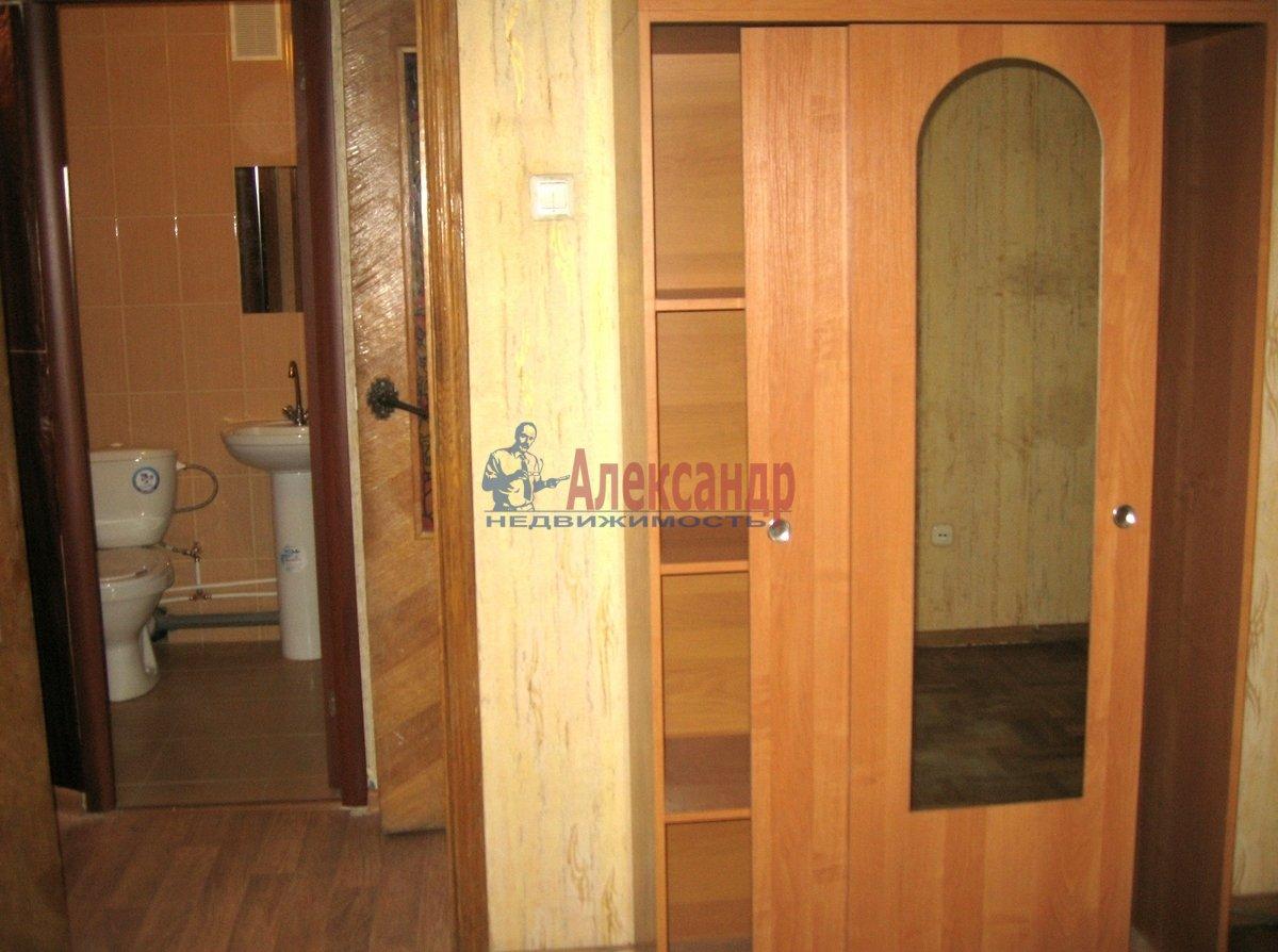 1-комнатная квартира (31м2) в аренду по адресу Матроса Железняка ул., 23— фото 3 из 8