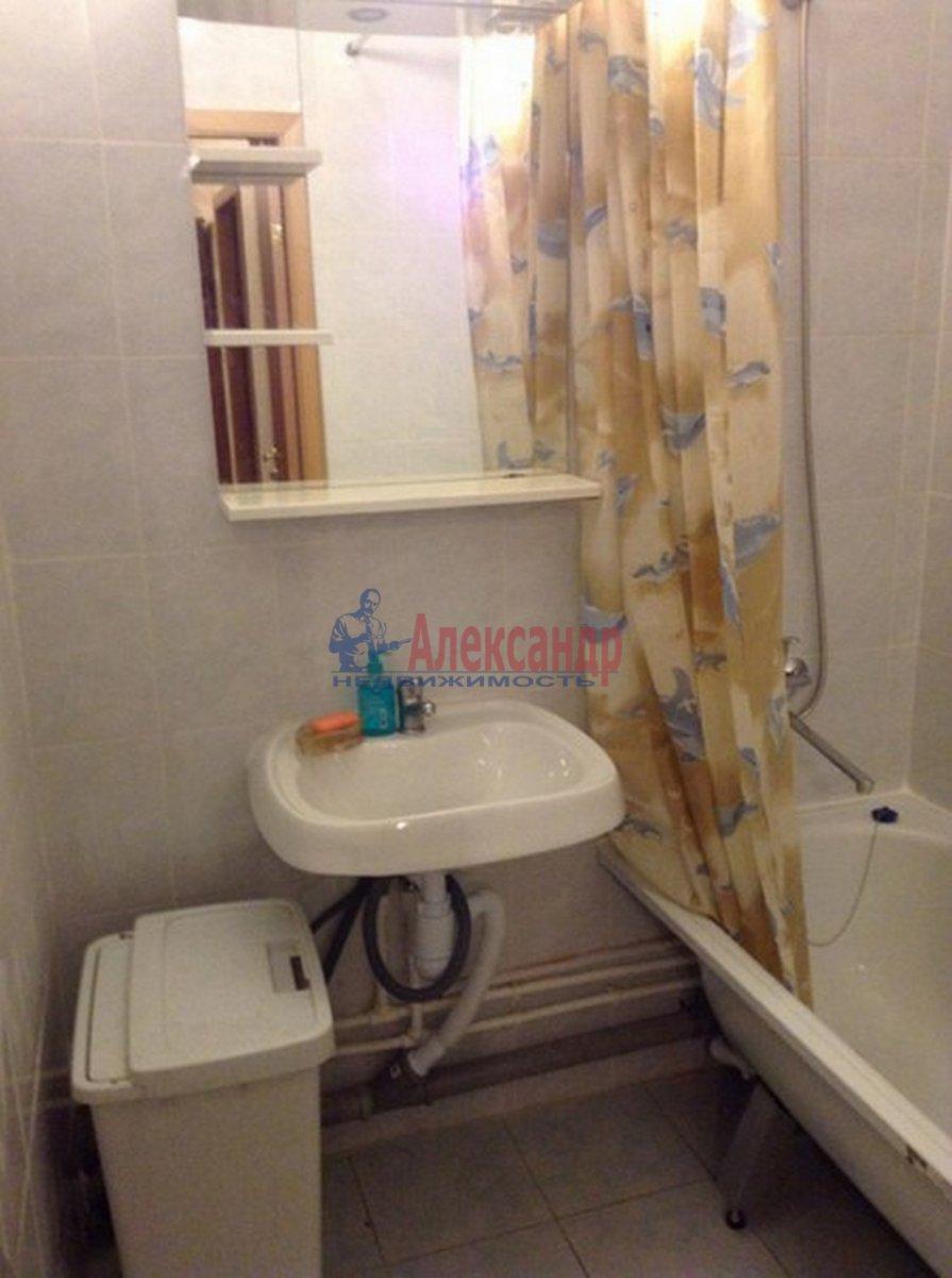 2-комнатная квартира (62м2) в аренду по адресу Михаила Дудина ул.— фото 9 из 10