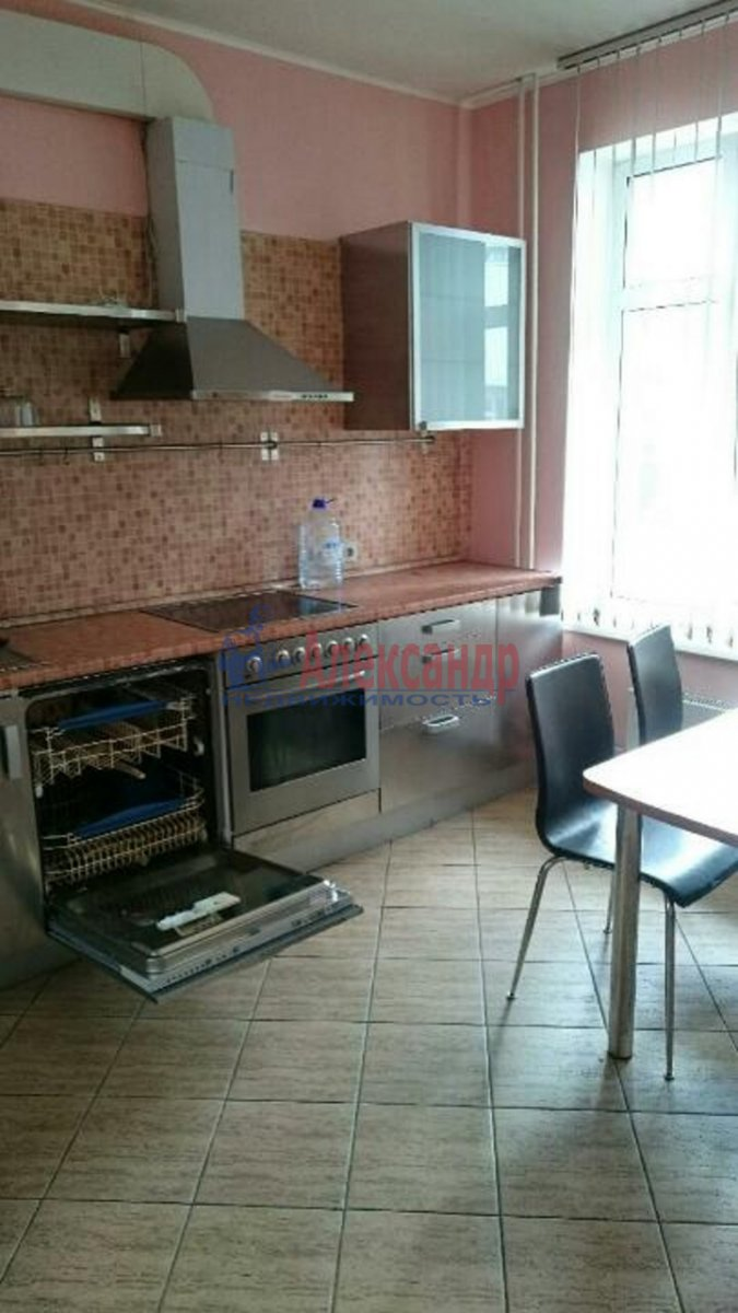 2-комнатная квартира (60м2) в аренду по адресу Боткинская ул., 15— фото 1 из 4