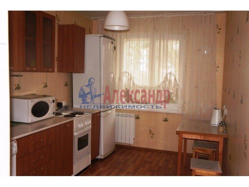 2-комнатная квартира (52м2) в аренду по адресу Софийская ул., 51— фото 1 из 2