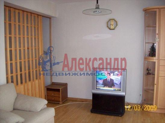 2-комнатная квартира (50м2) в аренду по адресу Петровская наб., 4— фото 5 из 13