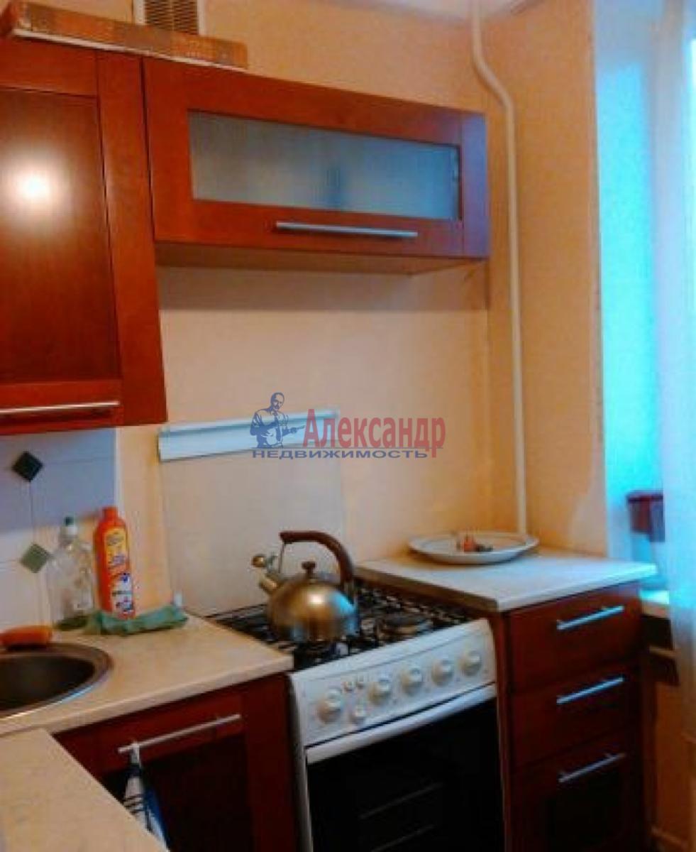 1-комнатная квартира (40м2) в аренду по адресу Петергофское шос., 78— фото 1 из 4