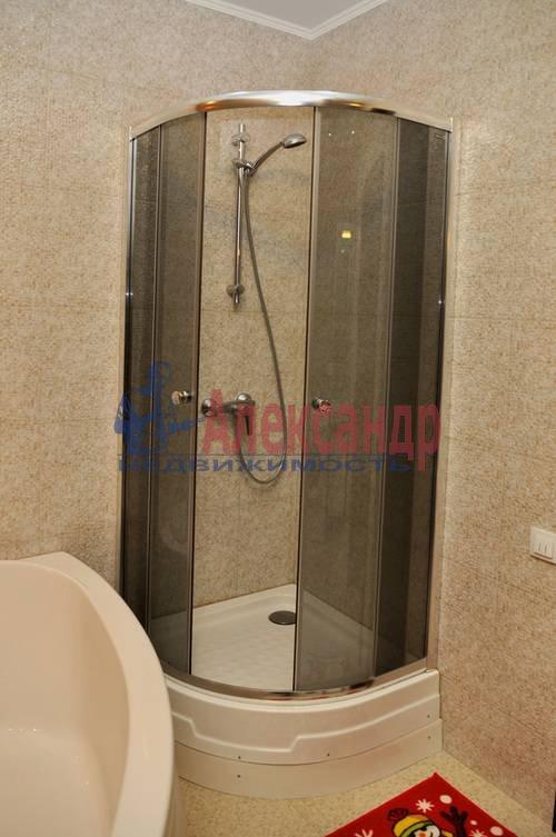 1-комнатная квартира (56м2) в аренду по адресу Петрозаводская ул., 13— фото 3 из 12