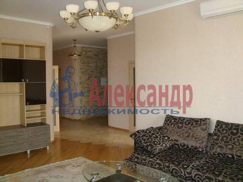 2-комнатная квартира (70м2) в аренду по адресу Мытнинская ул., 2— фото 8 из 12