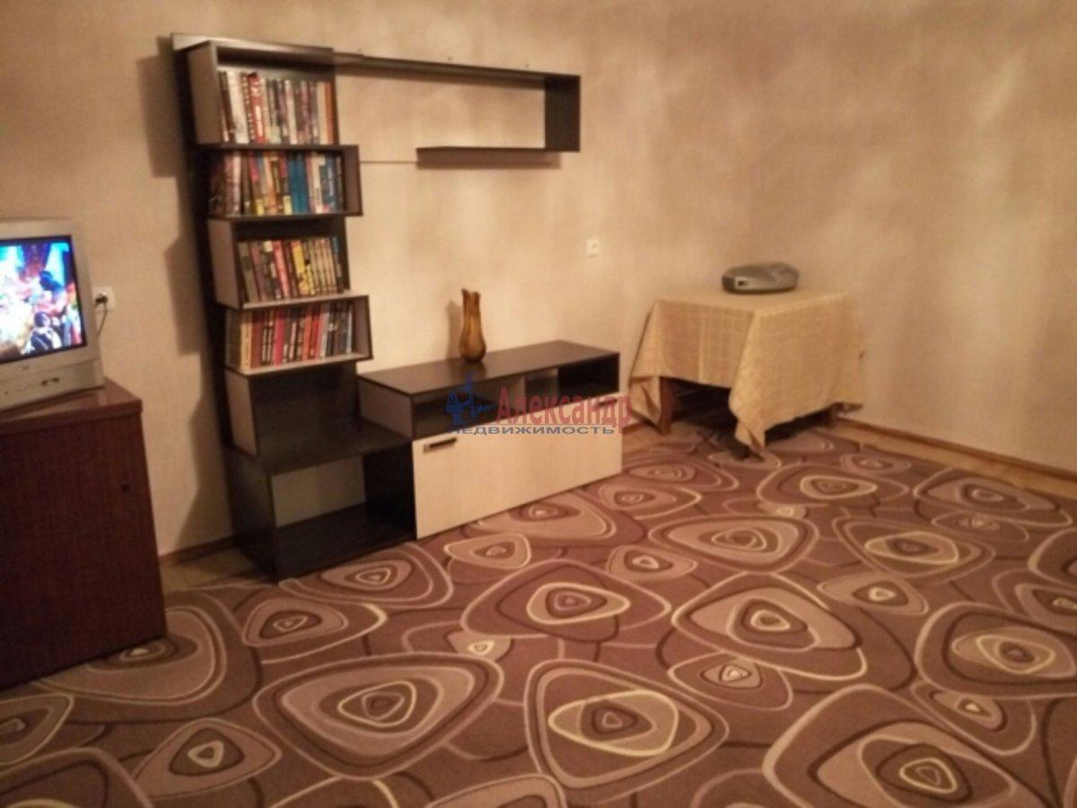 2-комнатная квартира (48м2) в аренду по адресу Черкасова ул., 8— фото 2 из 7