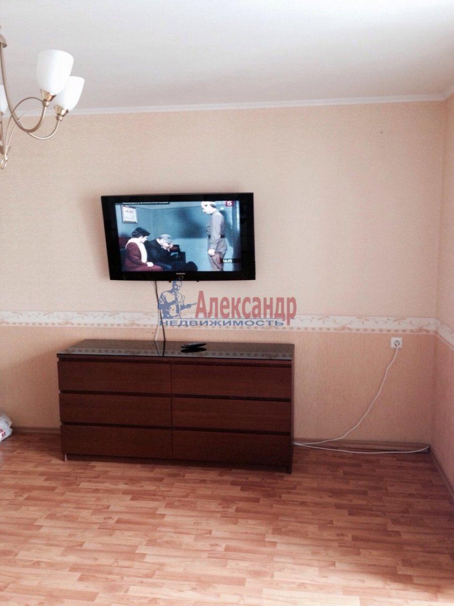 2-комнатная квартира (68м2) в аренду по адресу Ленинский пр., 67— фото 4 из 9