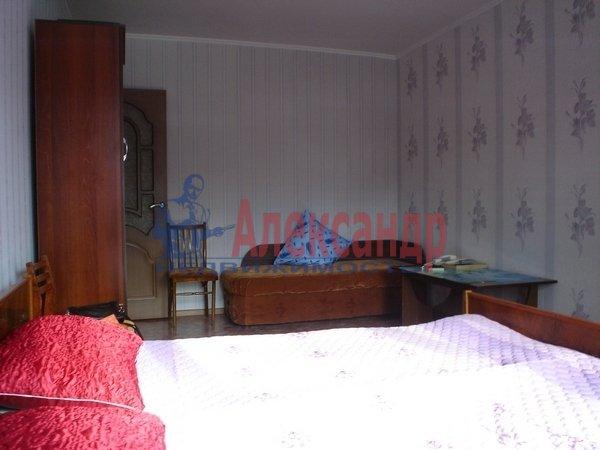 1-комнатная квартира (34м2) в аренду по адресу Бухарестская ул., 72— фото 2 из 4