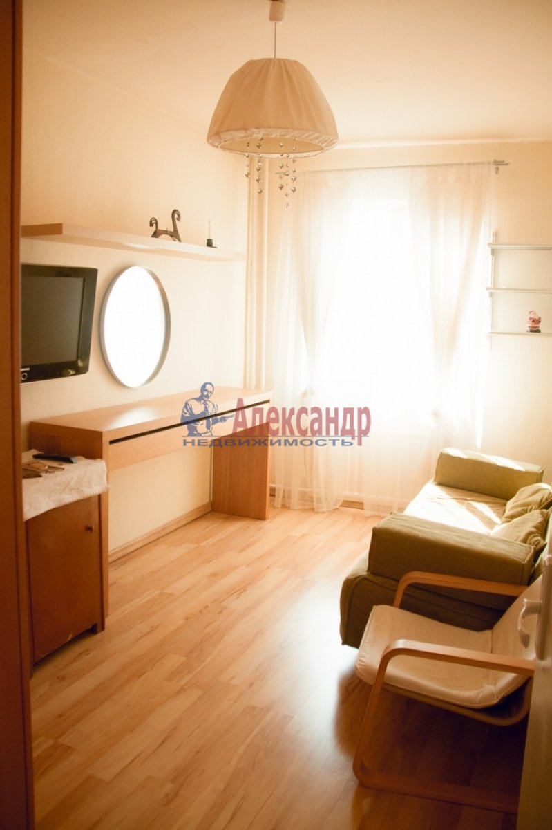 3-комнатная квартира (65м2) в аренду по адресу Ленинский пр., 79— фото 1 из 11
