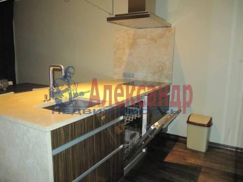 3-комнатная квартира (125м2) в аренду по адресу Московский просп., 82— фото 4 из 11