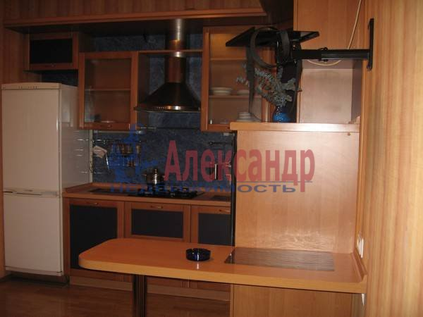 2-комнатная квартира (100м2) в аренду по адресу Жуковского ул., 57— фото 3 из 7