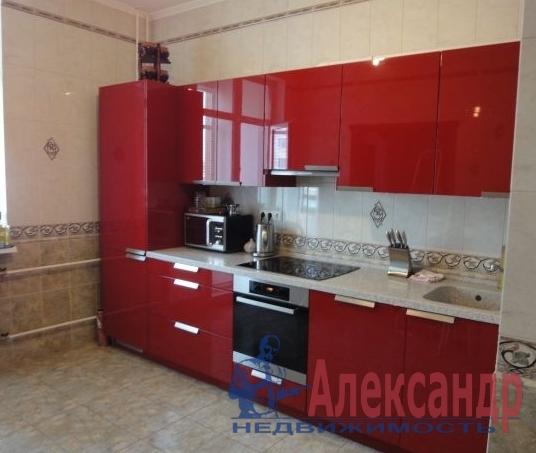 2-комнатная квартира (72м2) в аренду по адресу Нахимова ул., 20— фото 2 из 3