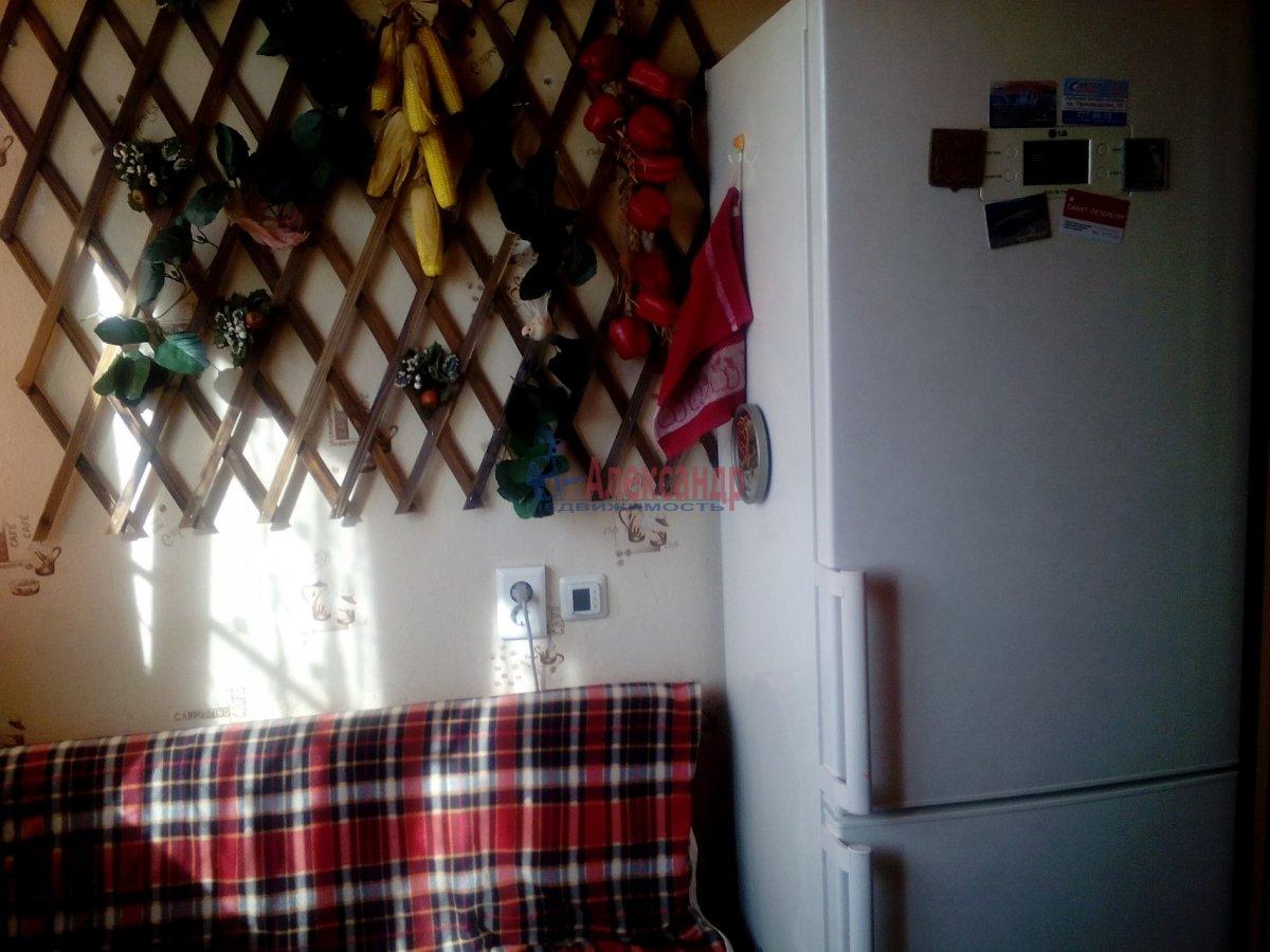 2-комнатная квартира (45м2) в аренду по адресу Суздальский просп., 73— фото 5 из 8