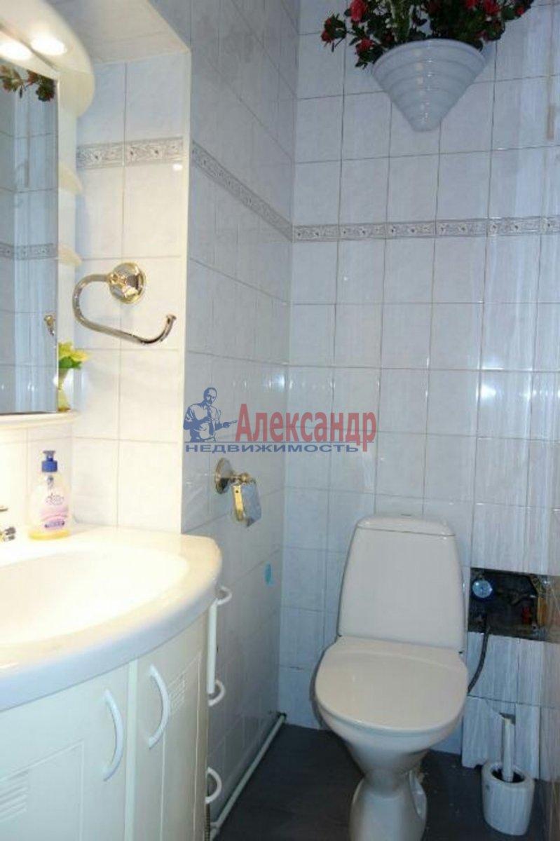 2-комнатная квартира (74м2) в аренду по адресу Кронверкский пр., 23— фото 7 из 9