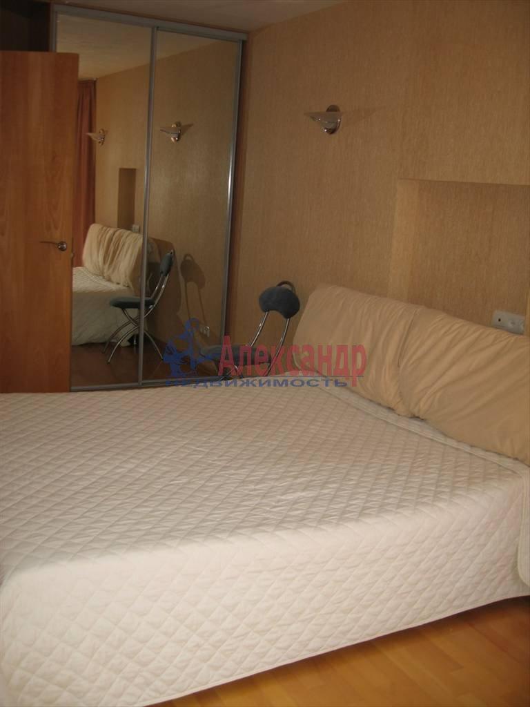 4-комнатная квартира (120м2) в аренду по адресу Новосмоленская наб., 1— фото 7 из 10