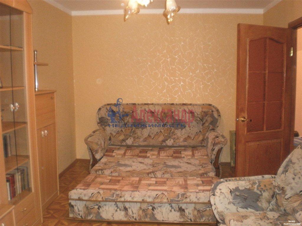 1-комнатная квартира (30м2) в аренду по адресу Ветеранов пр., 55— фото 1 из 3