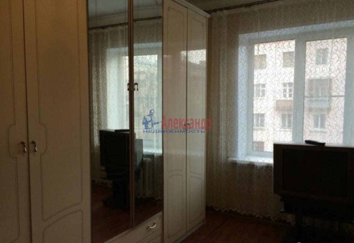 Комната в 3-комнатной квартире (60м2) в аренду по адресу Славы пр., 7— фото 3 из 4