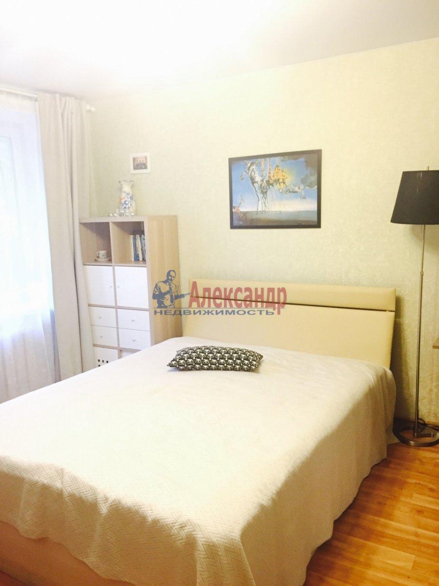 1-комнатная квартира (35м2) в аренду по адресу Авиационная ул., 18— фото 1 из 3