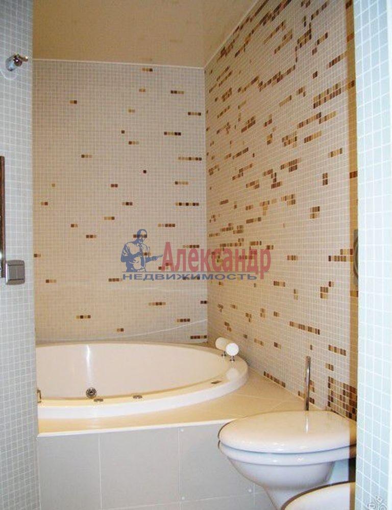 2-комнатная квартира (70м2) в аренду по адресу Обуховской Обороны пр., 138— фото 1 из 9
