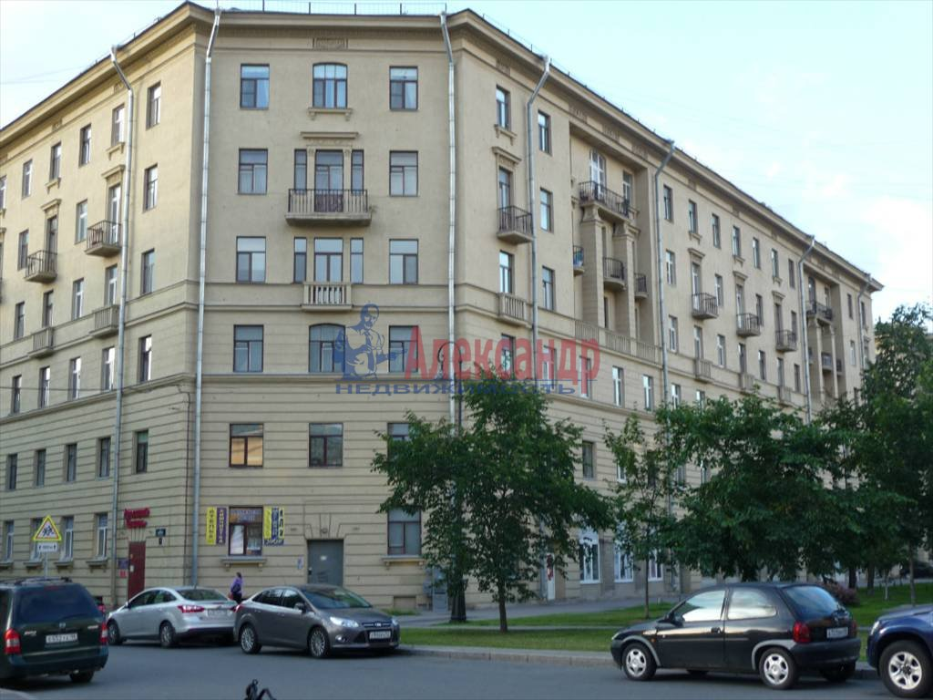 2-комнатная квартира (64м2) в аренду по адресу Большой пр.— фото 8 из 9