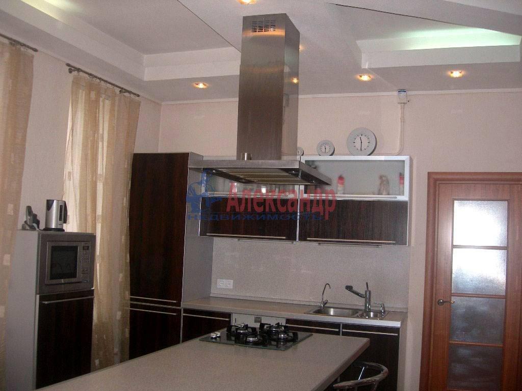 4-комнатная квартира (120м2) в аренду по адресу Суворовский пр.— фото 7 из 9