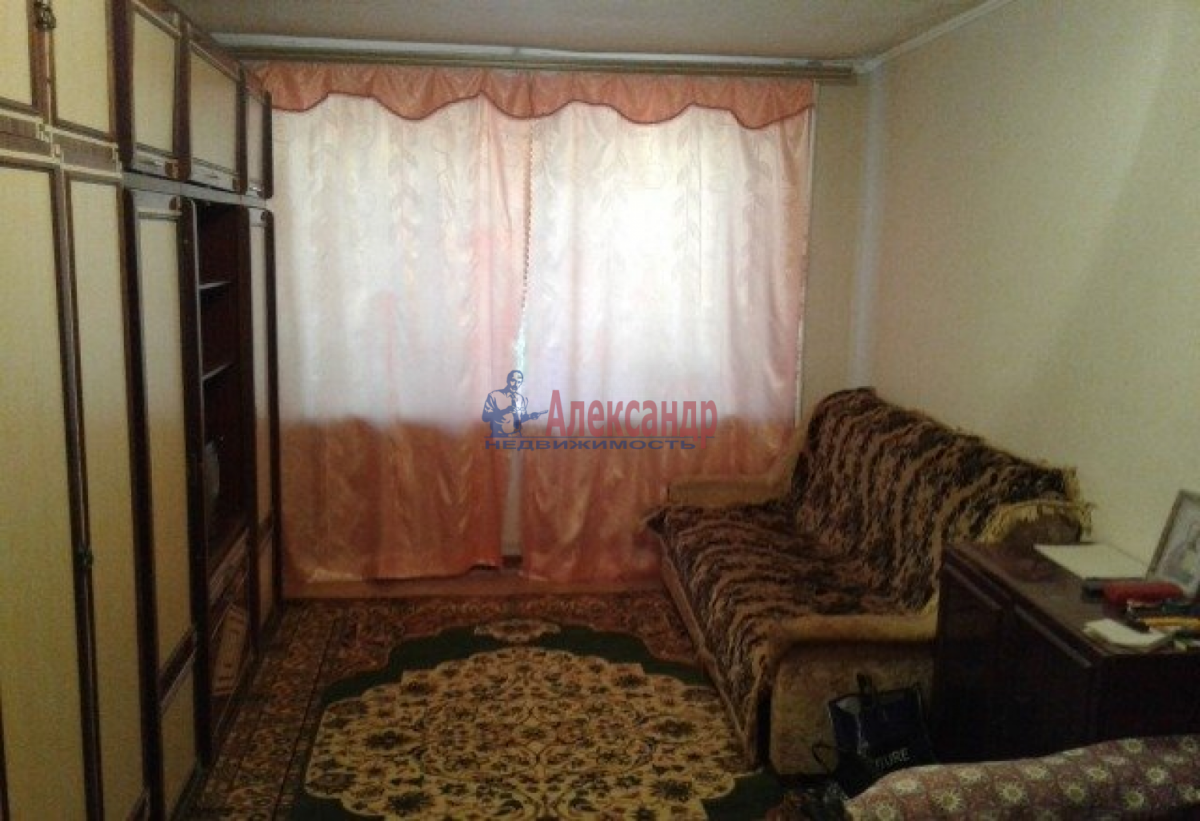 Комната в 2-комнатной квартире (76м2) в аренду по адресу 2 линия В.О., 3— фото 1 из 3