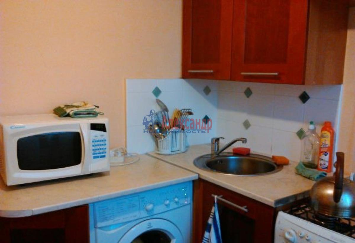 1-комнатная квартира (40м2) в аренду по адресу Петергофское шос., 78— фото 3 из 4