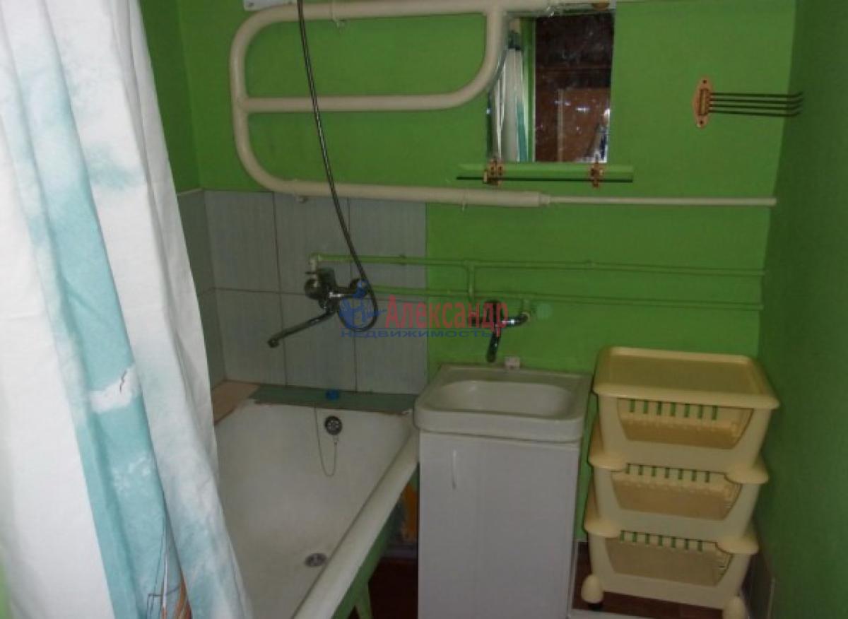 1-комнатная квартира (33м2) в аренду по адресу Варшавская ул., 77— фото 3 из 3