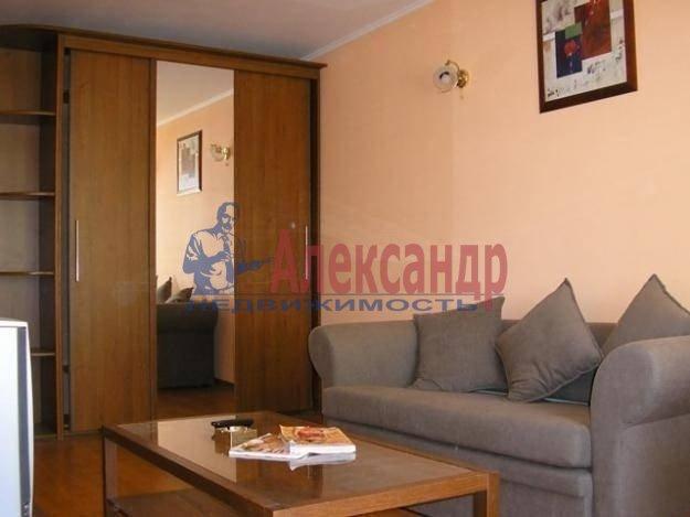 2-комнатная квартира (58м2) в аренду по адресу Богатырский пр., 7— фото 3 из 4