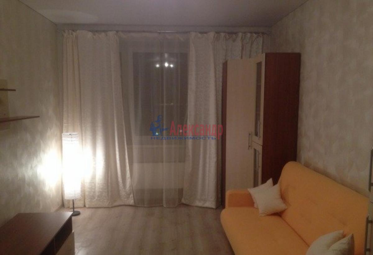 1-комнатная квартира (37м2) в аренду по адресу Славы пр., 21— фото 2 из 5