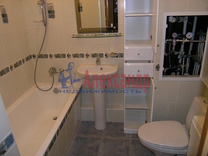 1-комнатная квартира (39м2) в аренду по адресу Брянцева ул., 15— фото 3 из 3