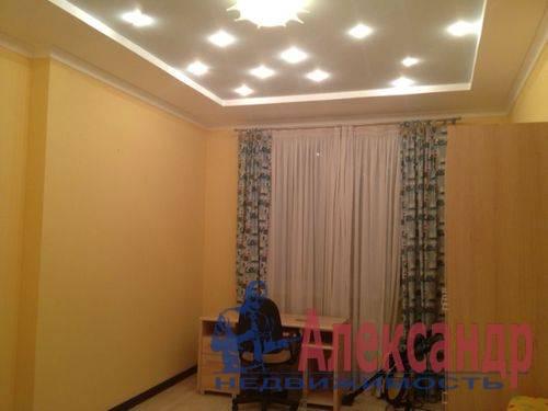 3-комнатная квартира (130м2) в аренду по адресу Савушкина ул., 125— фото 4 из 8