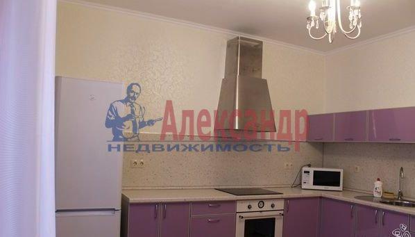 2-комнатная квартира (70м2) в аренду по адресу Бухарестская ул., 110— фото 1 из 6