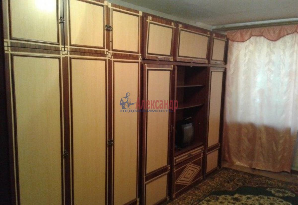 Комната в 2-комнатной квартире (76м2) в аренду по адресу 2 линия В.О., 3— фото 2 из 3