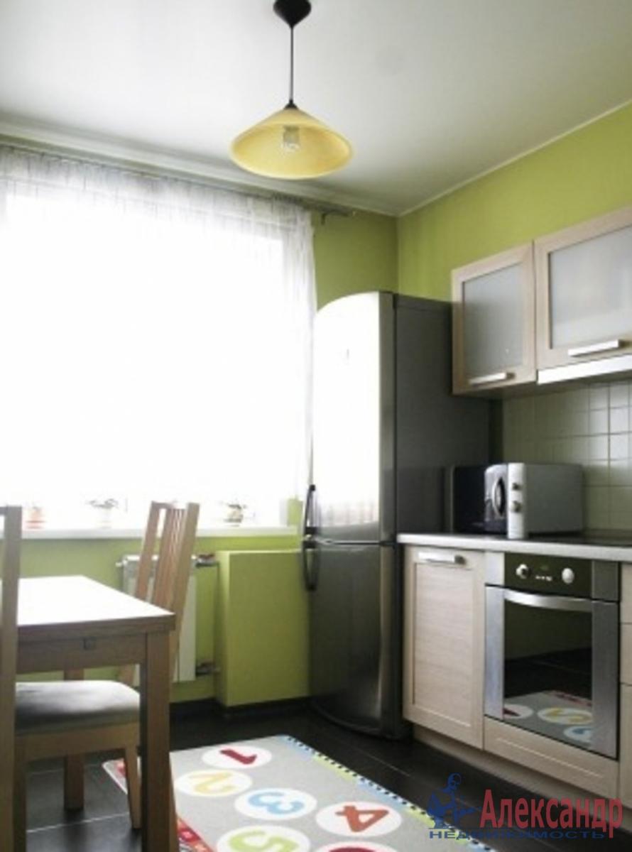 1-комнатная квартира (35м2) в аренду по адресу Композиторов ул., 2— фото 2 из 3