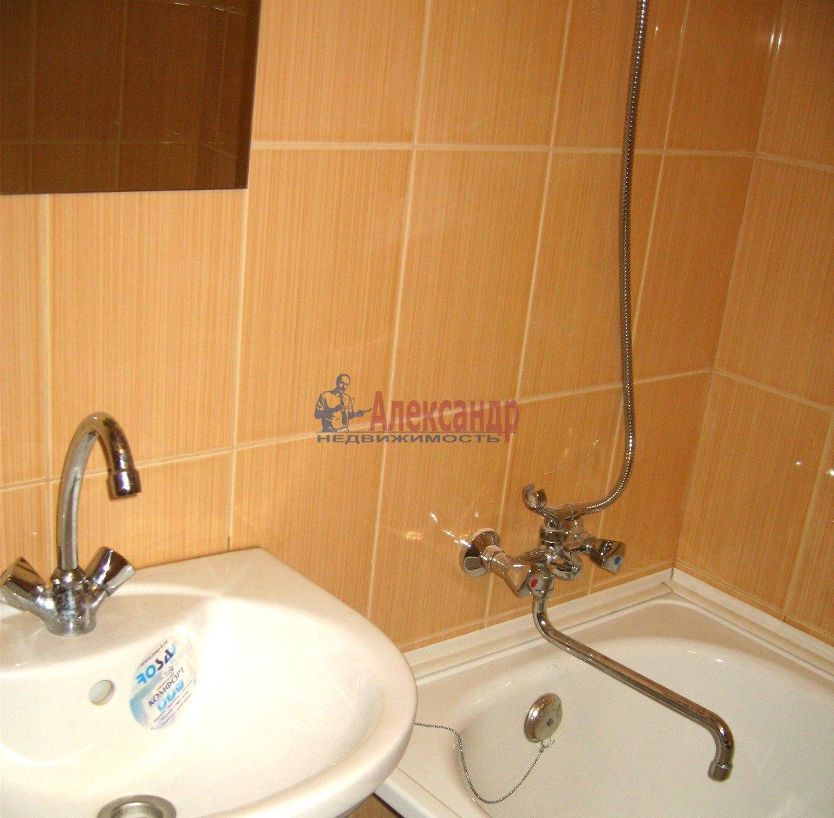 1-комнатная квартира (31м2) в аренду по адресу Матроса Железняка ул., 23— фото 7 из 8