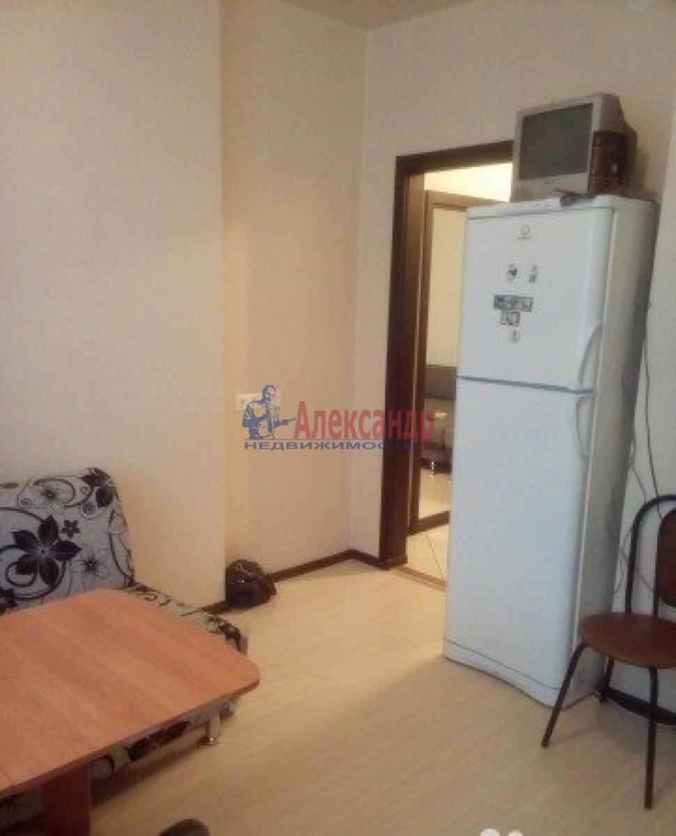1-комнатная квартира (42м2) в аренду по адресу Кораблестроителей ул., 16— фото 2 из 4