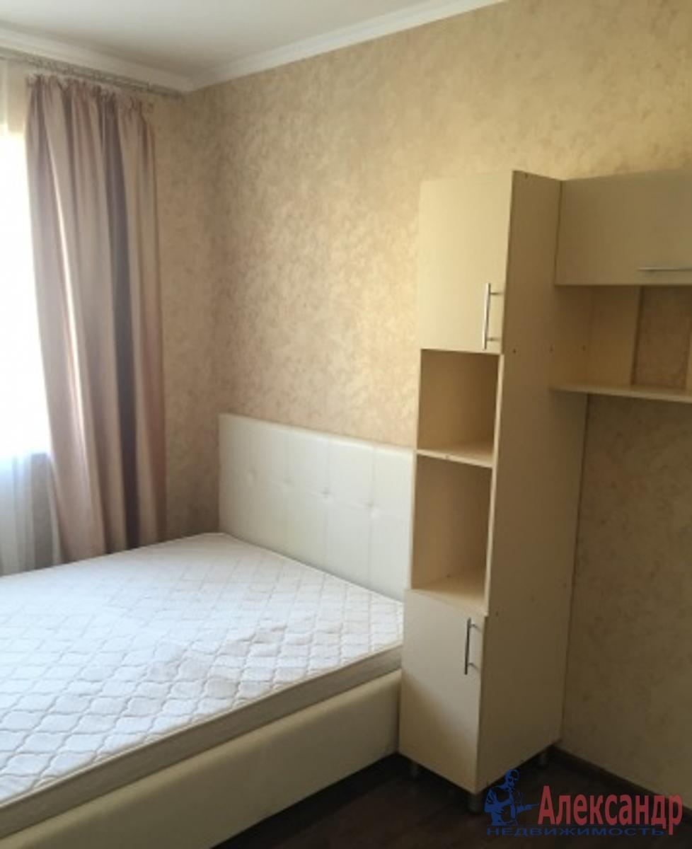 2-комнатная квартира (55м2) в аренду по адресу Лени Голикова ул., 15— фото 2 из 5