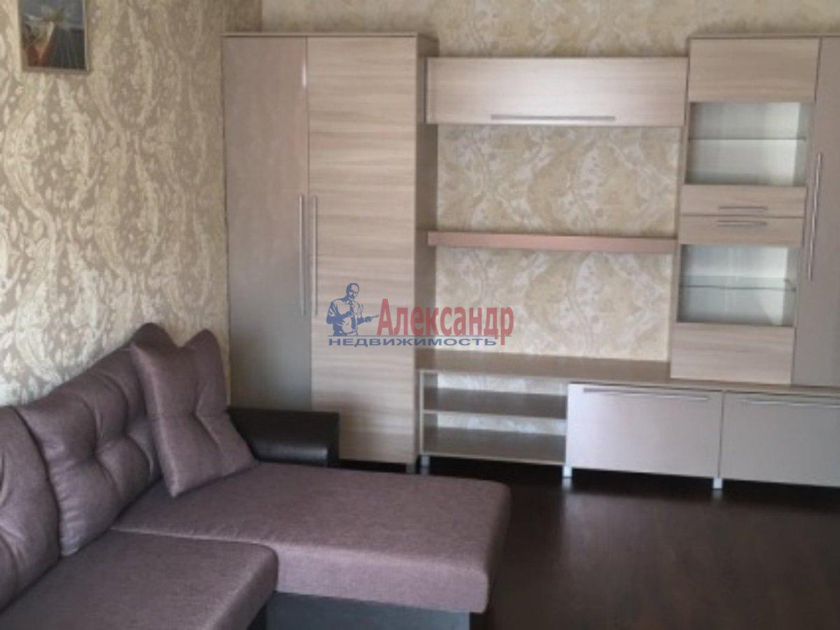 Комната в 2-комнатной квартире (48м2) в аренду по адресу Зои Космодемьянской ул., 3— фото 1 из 4