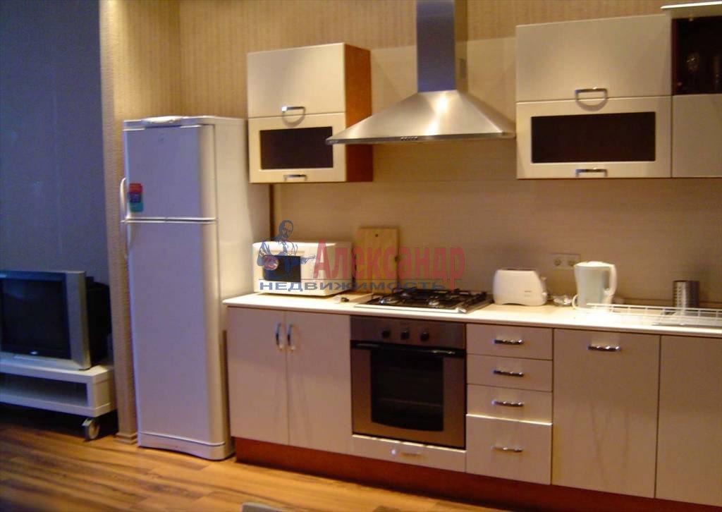 2-комнатная квартира (65м2) в аренду по адресу Невский пр., 88— фото 1 из 9